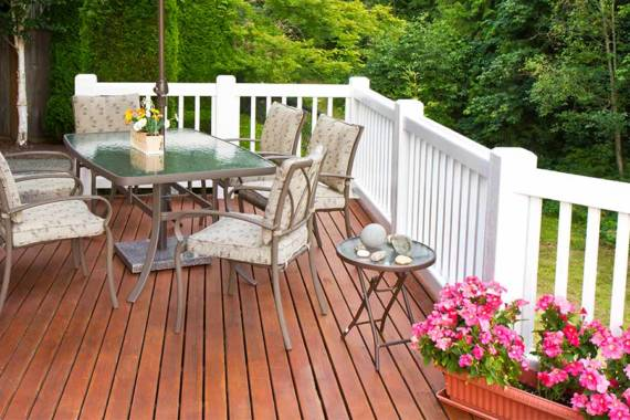 3 Signs It's Time to Replace Your Deck