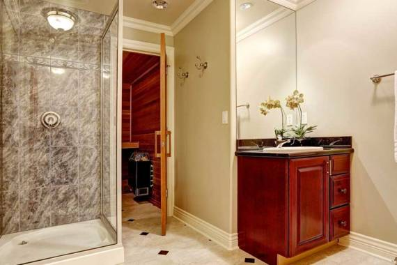 3 Reasons to Replace Your Old (or Broken) Shower Doors