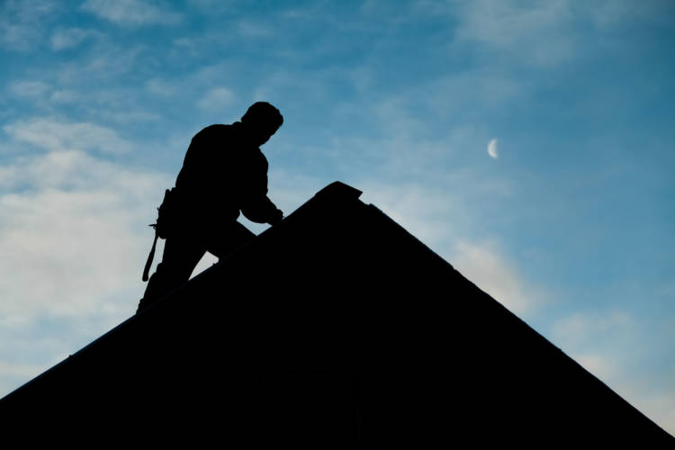 5 Reasons to Hire a Licensed Roofer
